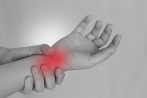 期間工のバネ指、腱鞘炎